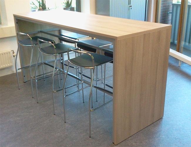 Table de bar 140x80cm hauteur 110cm for Hauteur de table a manger